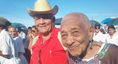 Los abuelos cubanos remontan sus años