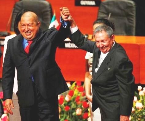 Chávez irá con nosotros: nosotros iremos con Chávez.