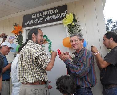 """Martianos cubanos inauguran la biblioteca """"José Marti"""" en Chiapas, México"""